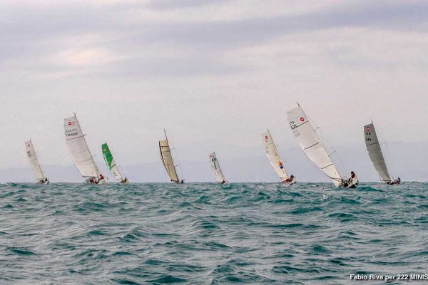 5-Sailing-Marta-Mini650-222-solo
